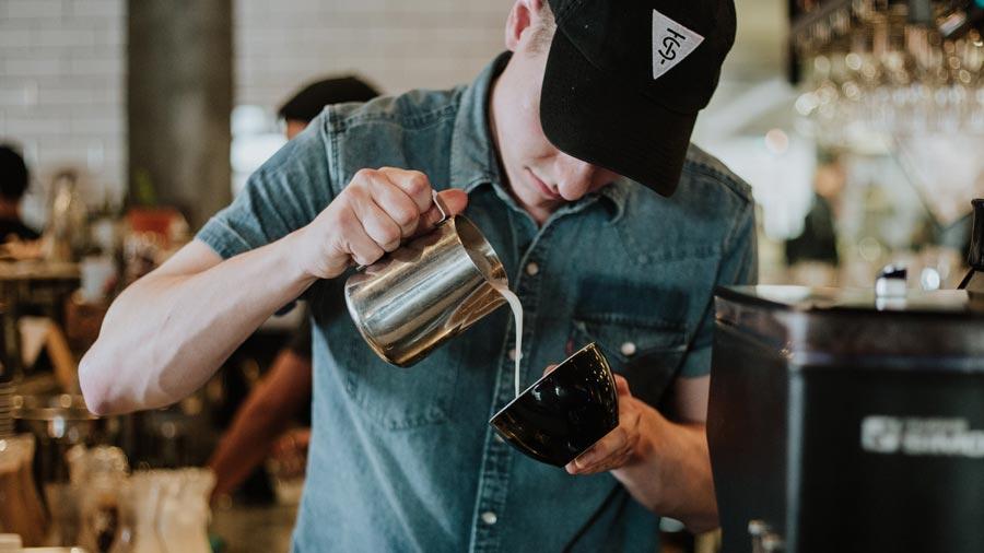Kaffewelt Gastro (Foto: Jennifer Bedoya/Unsplash)